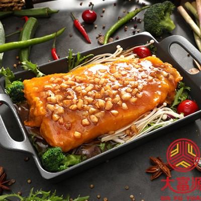 比优福小烤鱼市场上的好评多不多啊?